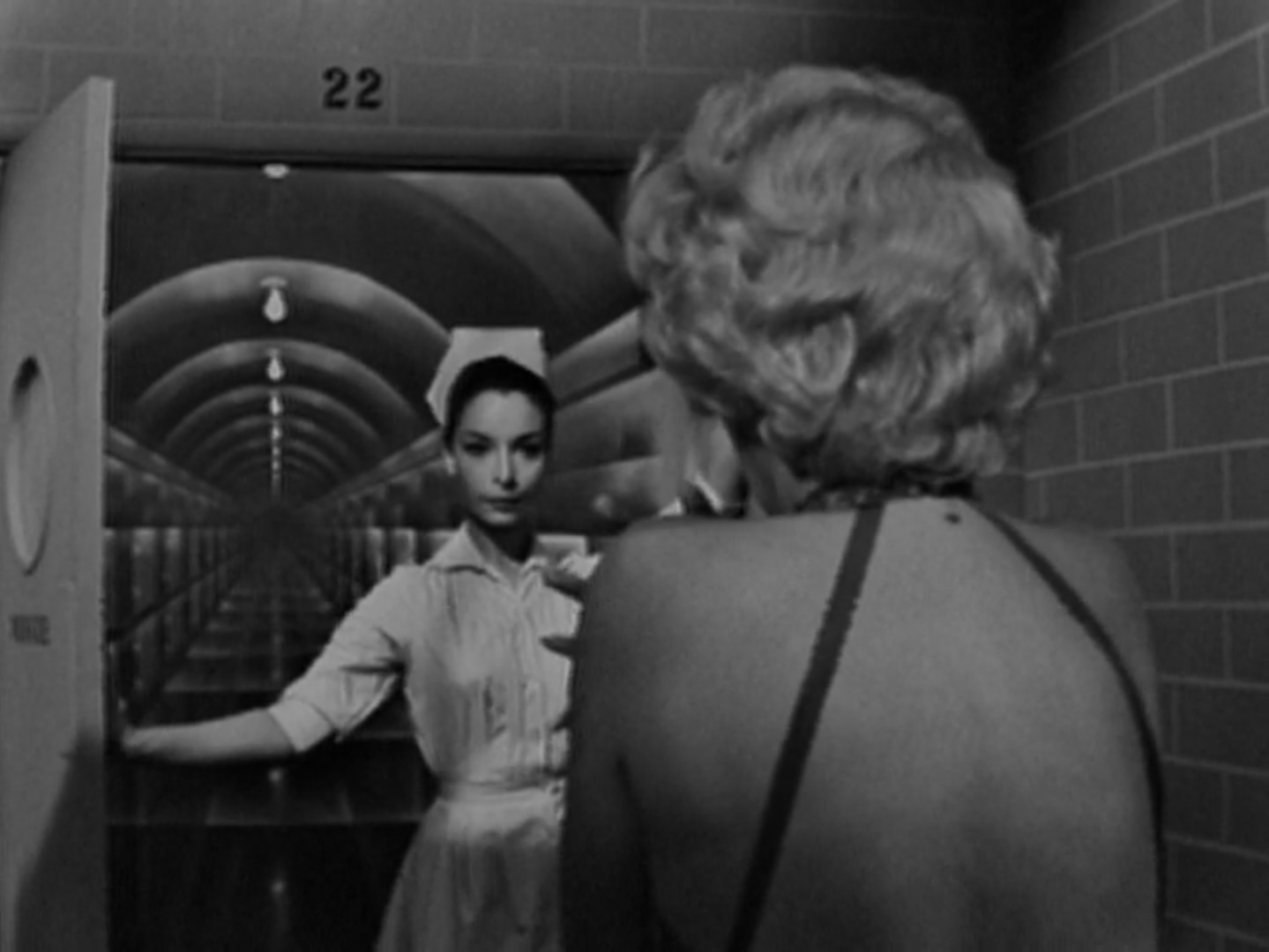 the twilight zone episode 53 twenty two midnite reviews