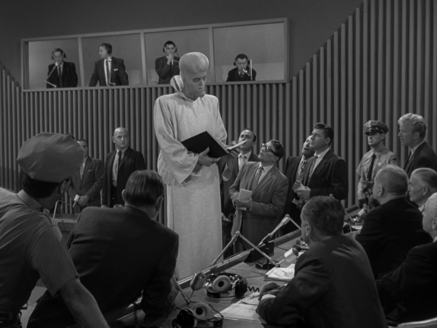 the twilight zone episode 89 to serve man midnite reviews