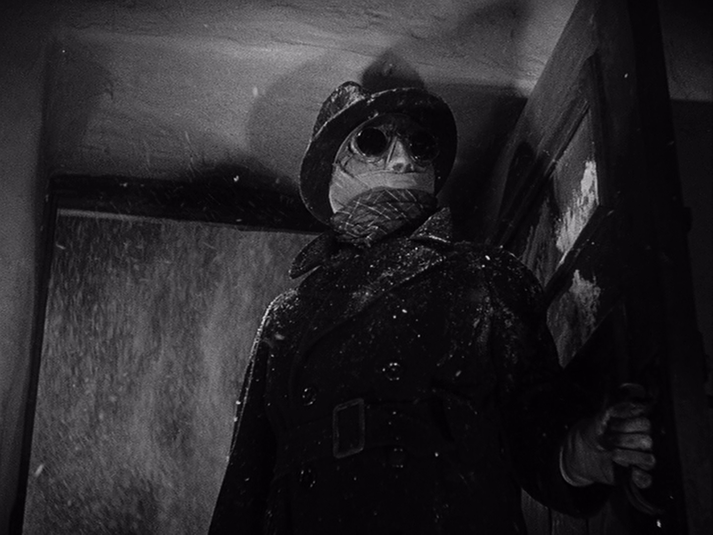https://midnitereviews.com/wp-content/uploads/2016/10/The-Invisible-Man-1933.jpg
